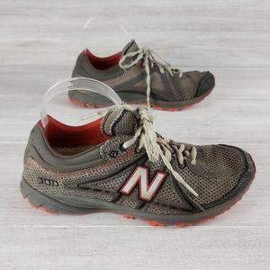 New Balance 100 Sneakers